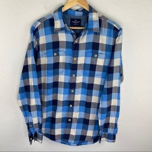 American Eagle blue plaid classic shirt size large